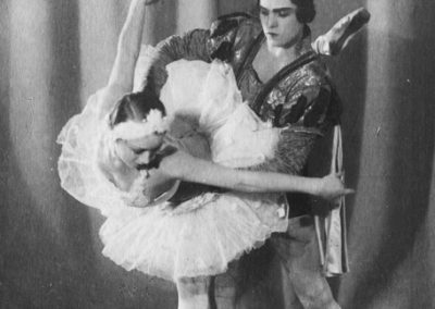 Swan Lake. Galina Ulanova as Odile, Konstantin Sergeev as The Prince
