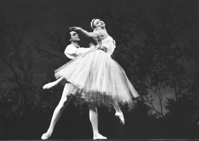 Chopiniana. Galina Ulanova as Sylphide, Nikolai Fadeyechev as Youth
